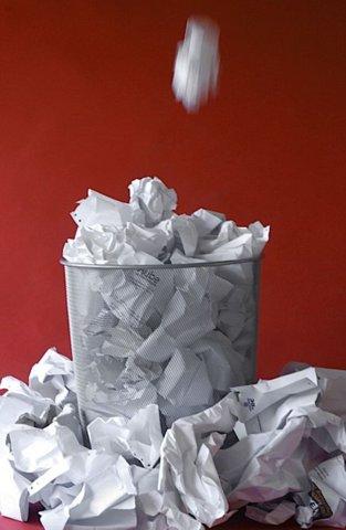 papierverspilling-vuilbak-recyleren